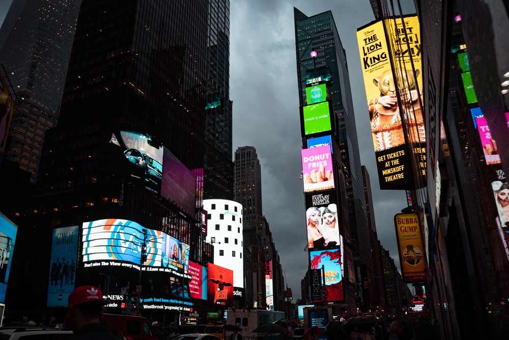 digital-signage-wireless-advertisement-solution
