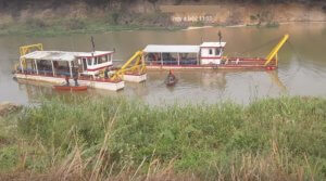 Barges_TR321